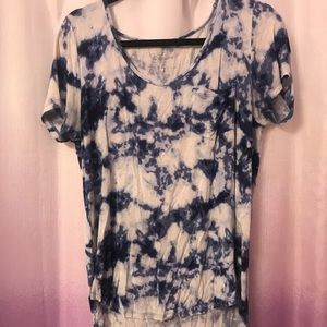 Hollister tie dye t-shirt with raw cut bottom